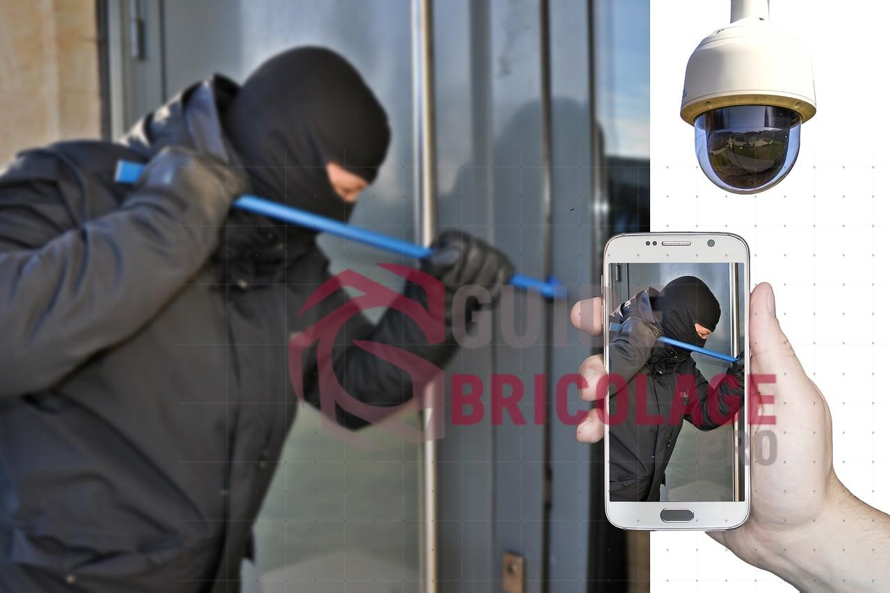Contrôler votre maison à travers les appareils de surveillance connectés